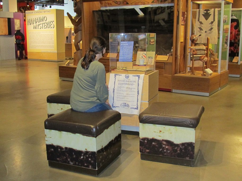 Benches that look like Nanaimo bars