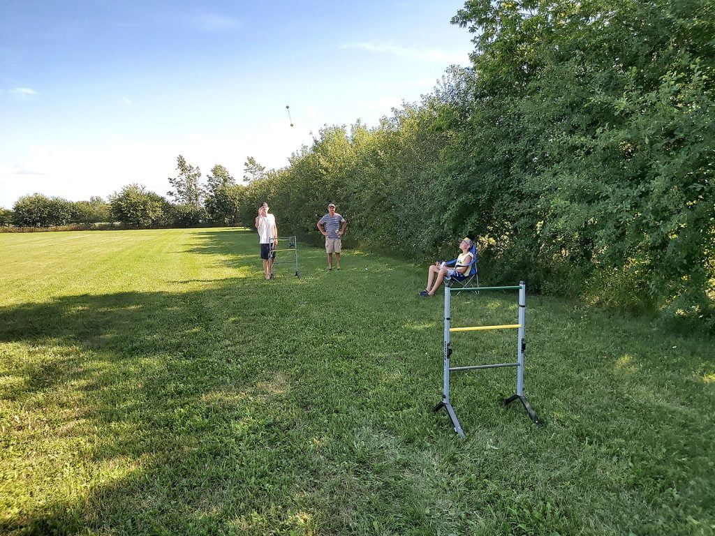 Ladder game in a field