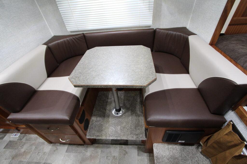U-shape seating in the Northern Lite Sportsman Plus 8-11