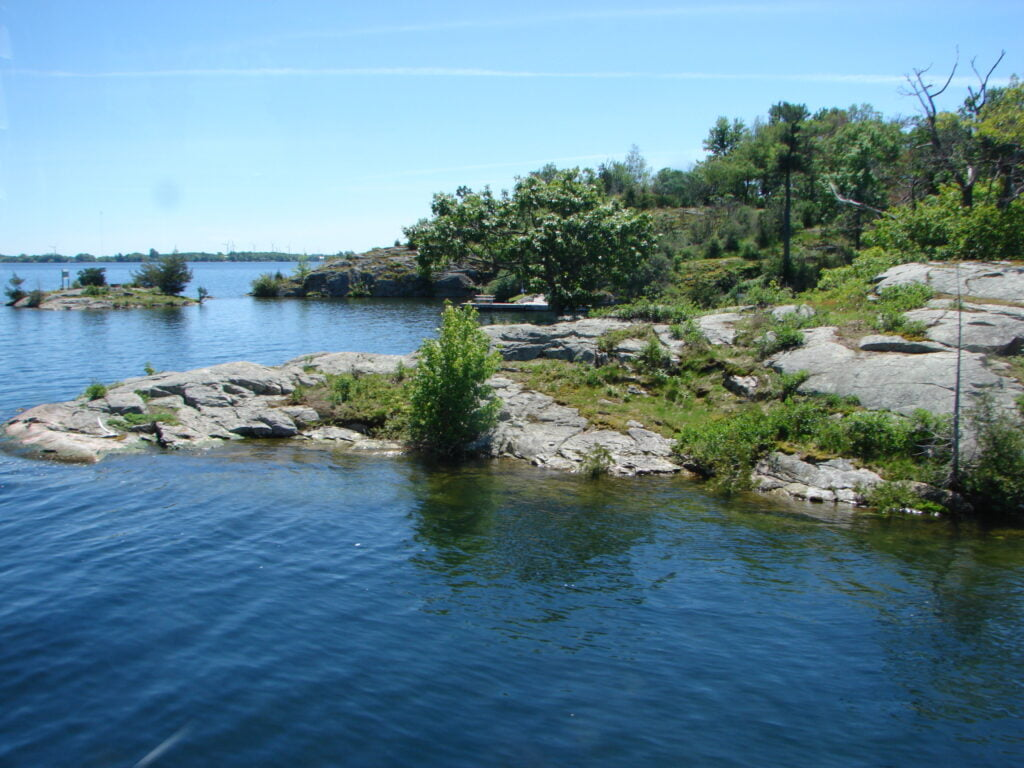 The secret bays and inlets of the Saint Laurence River