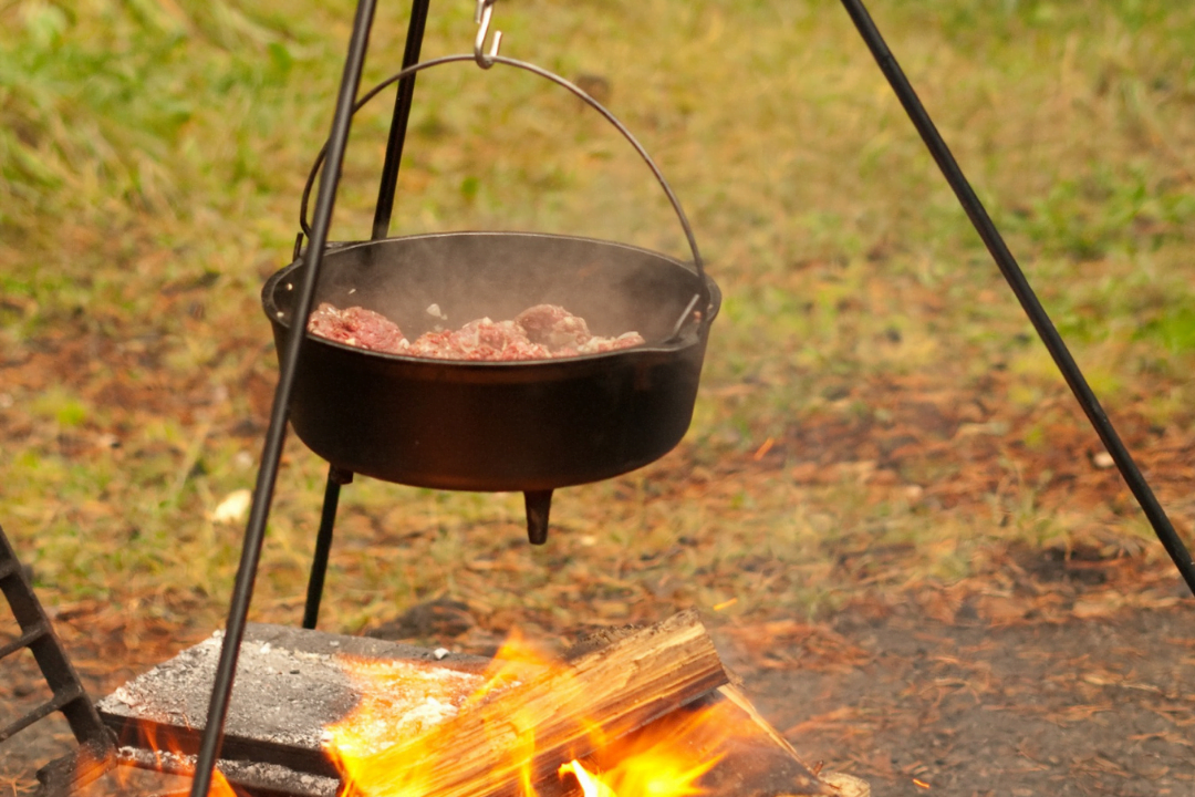 Dining Outdoors the Dutch Oven Way with Tim Fowler
