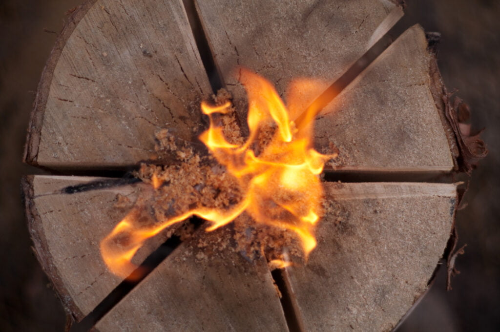 Fire starting in the swedish log